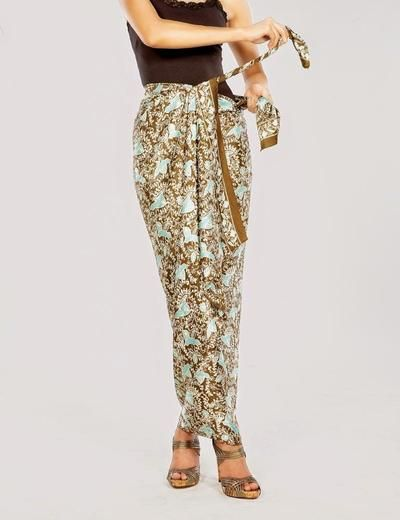 Tutorial Menggunakan Kain Batik Menjadi Rok Tanpa Dijahit | Fashion | beautynesia