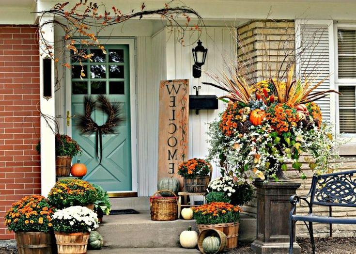 Herbstdeko für den hauseingang und die terrase herrliche ideen