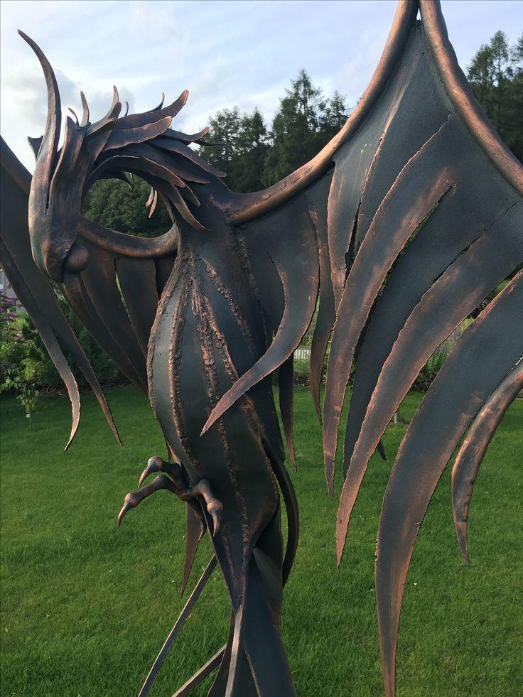 Fénix metal sculpture - Alexandr Pleskač
