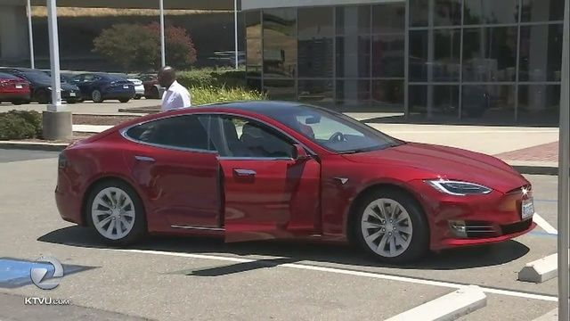 San Francisco Ap Tesla Owners Can Now Buy Insurance Policies From The Electric Car Company In What May Be Tesla Car Tesla Owner Tesla
