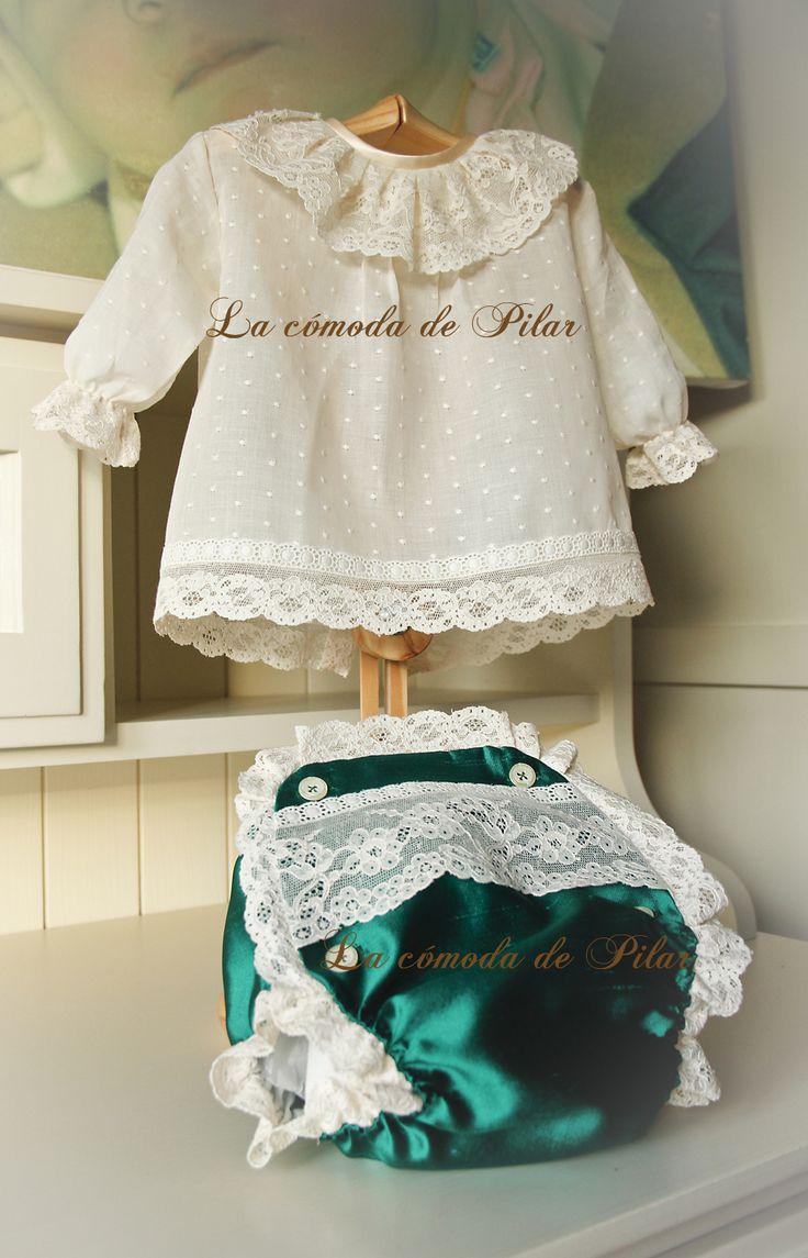 Blusita en plumetty con bodoque bordado y encajes de alençon, cubre pañal en shantu de seda natural y encajes de alençon http://lacomodadepilar.blogspot.com.es/