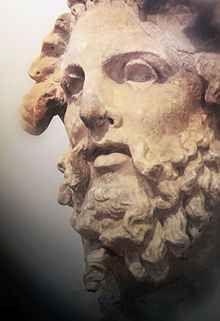 """Mitologia - Iperione, colui che precede il sole Anticamente Iperione era un soprannome del Dio Sole ma in seguito fu identificato con uno dei Titani. Convolato a """"giuste nozze"""" con la sorella Teia, ebbe tre figli: Elios che sorge ogni mattina dall #helioshyperion #hyperonides #iperione"""