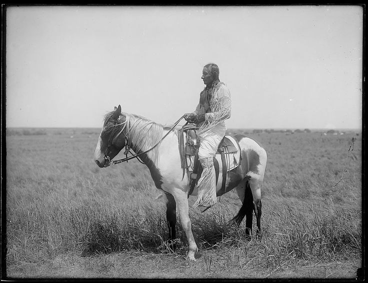 Индеец Шайенов верхом, Оклахома. 1903.
