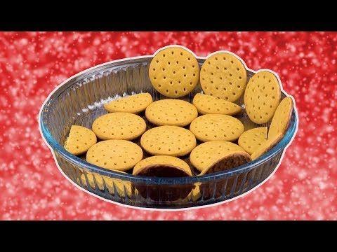 Форму для пирога выкладываем печеньем и поливаем кремом. Бесподобно! - YouTube