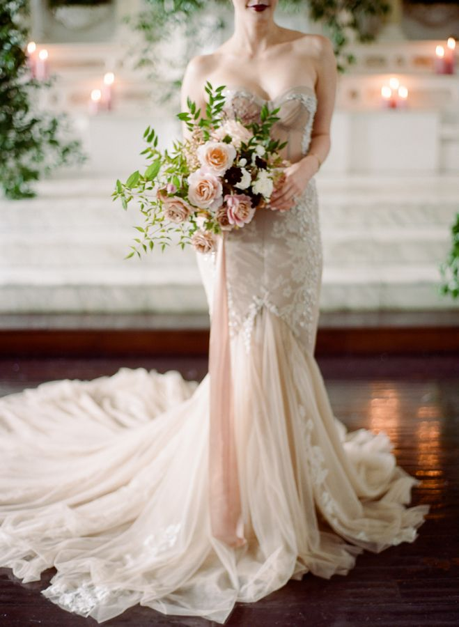 Ranunculus, rose and scabiosa wedding bouquet: http://www.stylemepretty.com/2016/11/03/modern-gothic-wedding-inspiration/ Photography: Rebecca Yale - http://rebeccayalephotography.com/