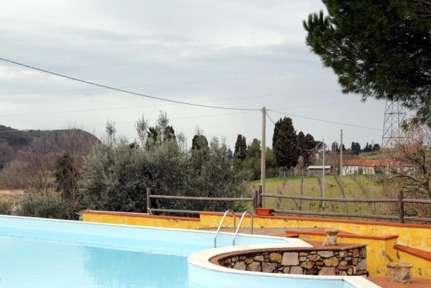 La nostra piscina - la location per gli scatti outfit!