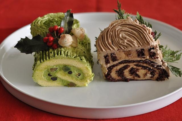 Christmas Cake Leftover Ideas : leftover Christmas log cakes Christmas Food Pinterest ...