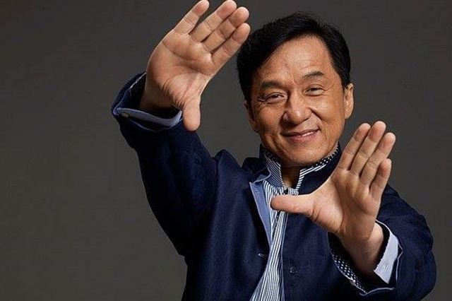 Jackie Chan va primi un Oscar pentru intreaga activitate - http://www.101zap.com/2016/09/02/jackie-chan-oscar/ - Jackie Chan, cunoscut pentru filme de comedie si karate (The Legend of Drunken Master, Rush Hour, Shanghai Noon, sau Shanghai Knights fiind cele mai populare) va fi premiat cu un Premiu Oscar Onorific pentru intreaga activitate.      Congratulations to #GovAwards winners Jackie Chan, Anne... -