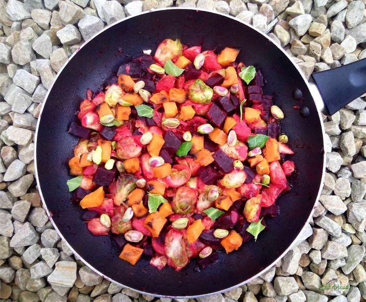 téli vitaminsaláta - Sült cékla és sütőtök, pirított kelbimbóval narancsosan  (gluténmentes, laktózmentes, tojásmentes, vegán) / Recept / cékla, sütőtök, kelbimbó, narancs, pisztácia, balzsamecet, szójaszósz, fűszerek