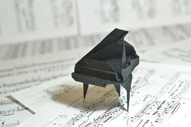 Gonzalo Garcia Calvo is a Spanish musician based in Madrid passionated by the art of Origami.