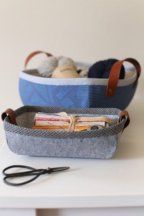 Tiny Treasures Basket and Tray designed by noodlehead. Features Euclid by Carolyn Friedlander, shipping to stores August 2016. FREE pattern will be available to download from robertkaufman.com in June 2016. #FREEatrobertkaufmandotcom #euclidfabric