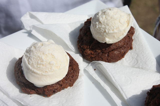 Horchata Ice Cream with Mayan Chocolate Cookie by Glass of Win, via ...