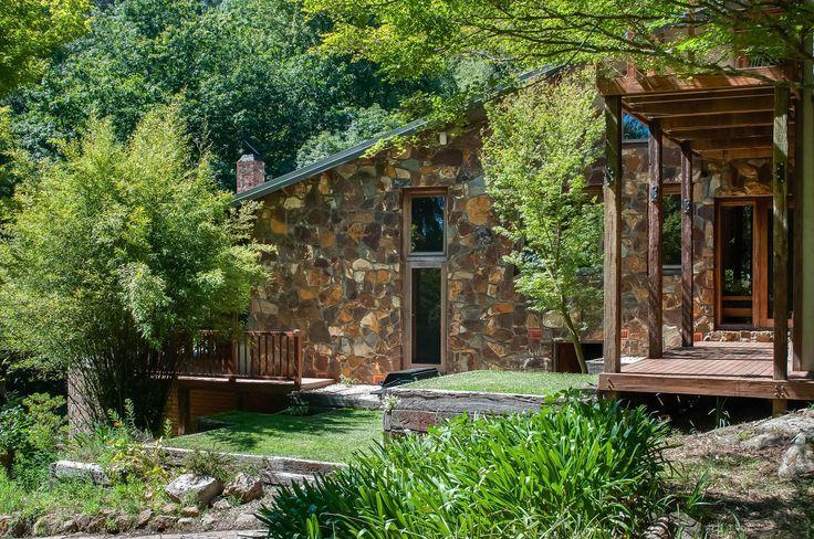 7 bedroom house for sale at 2 Perrins Creek Road, Olinda