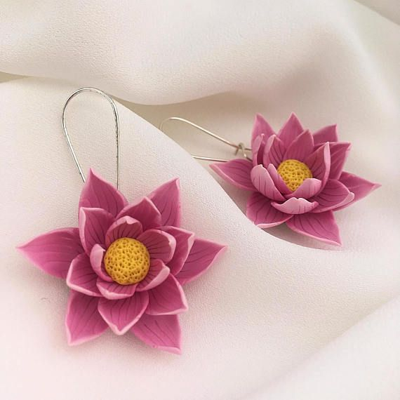 Summer Gray Polymer Clay Flower Paper Raffia Crochet Necklace Black
