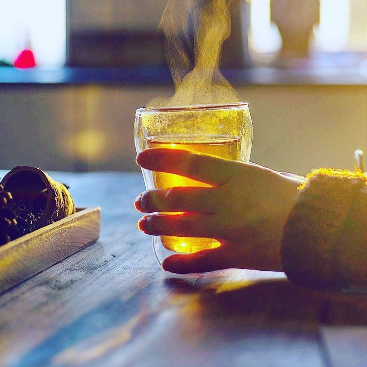Do you drink when you eat? I like to drink hot tea with my food even on a hot day. Ayurveda recommends to avoid cold drinks especially after eating. It messes up digestion. . _____ #improvedigestion #hottea #hottea #hotteaforme #hotteatime #hotteaplease #hottealove #hottealover #donteatanddrink #enjoyyourmeal #pin #nutrition #healthtips #howyoueatmatters #listentoyourbody #hungryisgood  #nutritionadvice #nutritiontips #nutritionmatters #nutritiontipoftheday #eatwhenhungry…