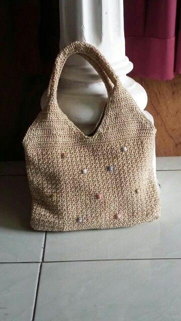Crochet purse with beads