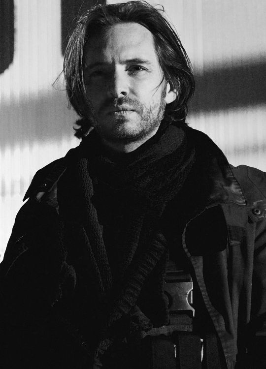 Aaron Stanford...love his character James Cole on 12 Monkeys. So brave, loyal and loving.