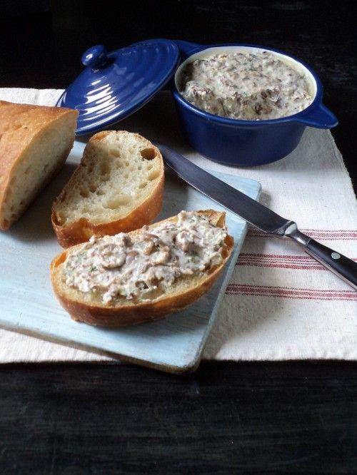 Szegfűgombás-sajtos szendvicskrém