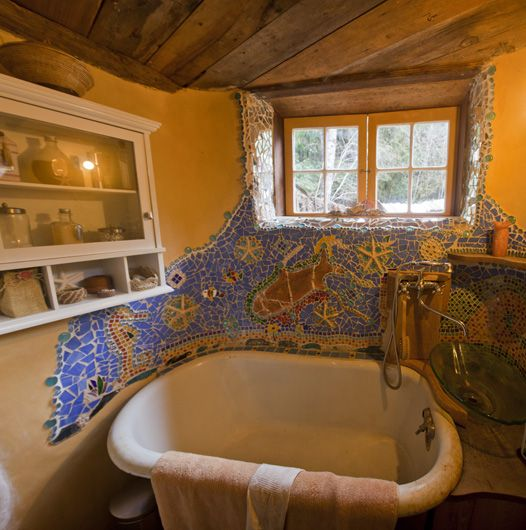 The sink/tub combo is not to my liking, but the window, the mosaic, the ceiling.... Love.