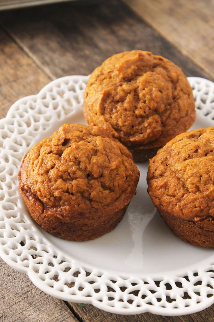 These really are the BEST pumpkin muffins ever! Not only are they sinfully delicious, but these pumpkin muffins are easy to make and clean-up is a breeze!