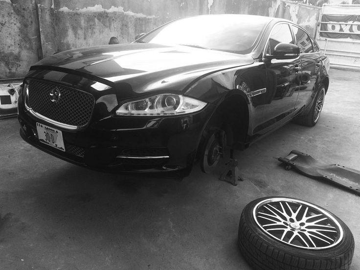 2012 #jaguar XLF in for a suspension job. #autogarage #lekki #irodeauto #pepboyz #autotech #xlf #gidicars #suspension by adeadekanmbi