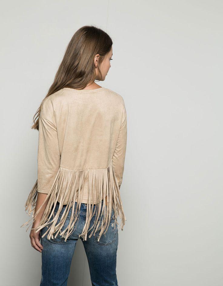 Bershka Basic-Shirt Veloursimitat mit Fransen. Entdecken Sie diese und viele andere Kleidungsstücke in Bershka unter neue Produkte jede Woche