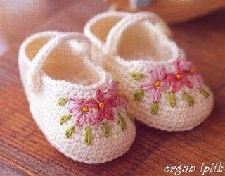 Sweet slippers w/lovely #embroidery #crochet