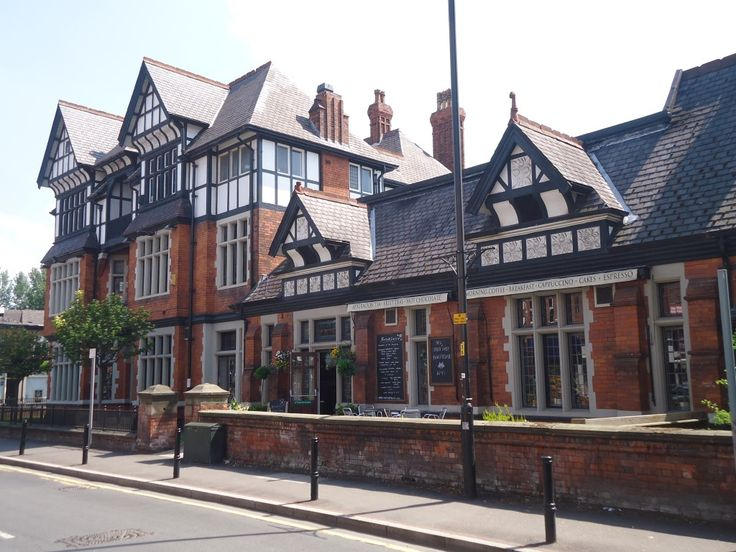 A guide to the best restaurants in West Didsbury. There are enough restaurants in West Didsbury to fill a small city so let me show you what's on offer.