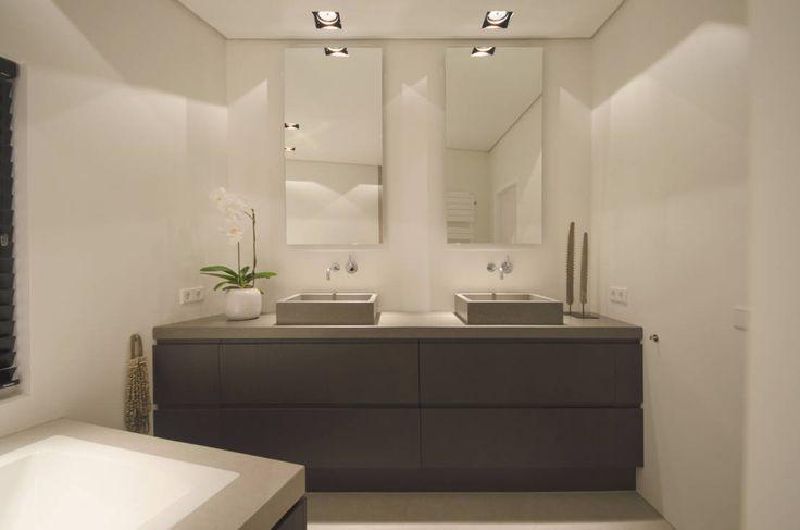 Badkamer Design Utrecht : Badkamer Deluxe : Moderne badkamers van ...