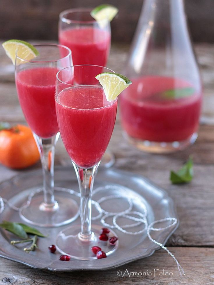 Cocktail Analcolico di Acqua di Cocco, Clementine e Melagrana