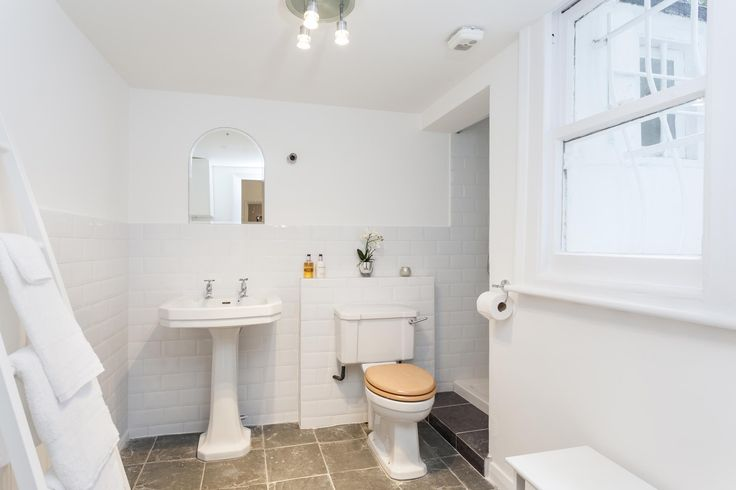 Shower room basement flat London SW5 #cutlerandbond #basementflat #gardenflat #londonproperty