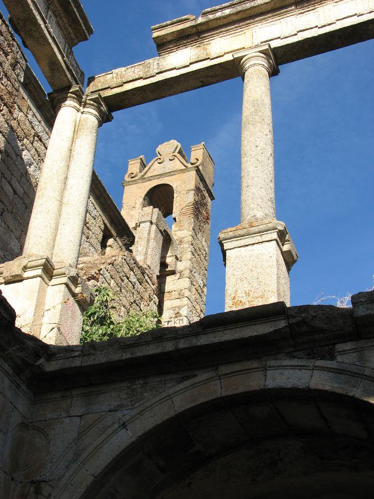 Interior del Convento de Santo Antonio de Padua, una víctima más de la desamortización.