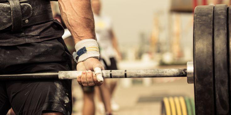 ВИДЕО: 63 упражнения со штангой для всего тела от Men's Health - http://lifehacker.ru/2016/04/11/video-63-barbell-exercises/