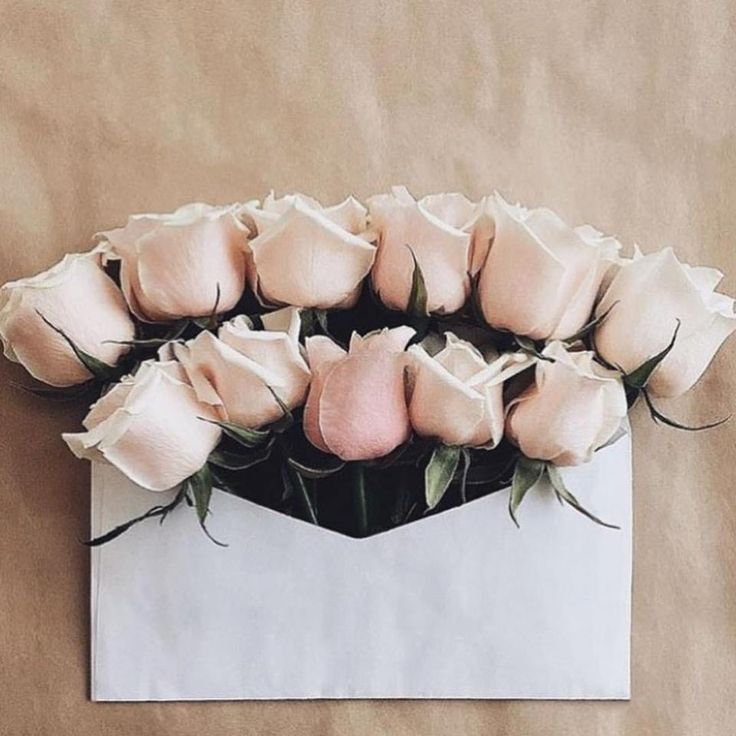 Pretty little flower love notes that we love 💕