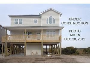 Topsail Island rental: Island Drive 3745 - Oceanview/Soundview 4 bedroom house in North Topsail Beach,