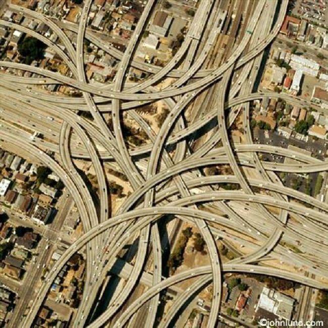 Vu-des-autoroutes-à-Oakland-en-Californie
