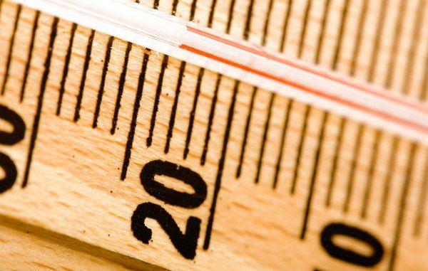 Sænk temperaturen i varmtvandsbeholderen – så meget sparer du