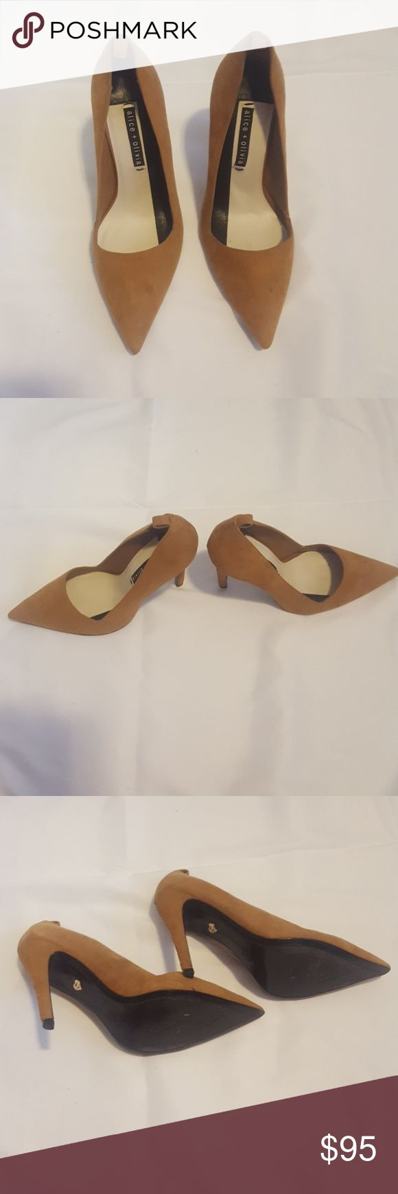 Alice + Olivia suede camel pump Tan camel colored heel from Alice and Olivia. Pointed toe. 4 inch heel. Very light wear. Alice & Olivia Shoes Heels