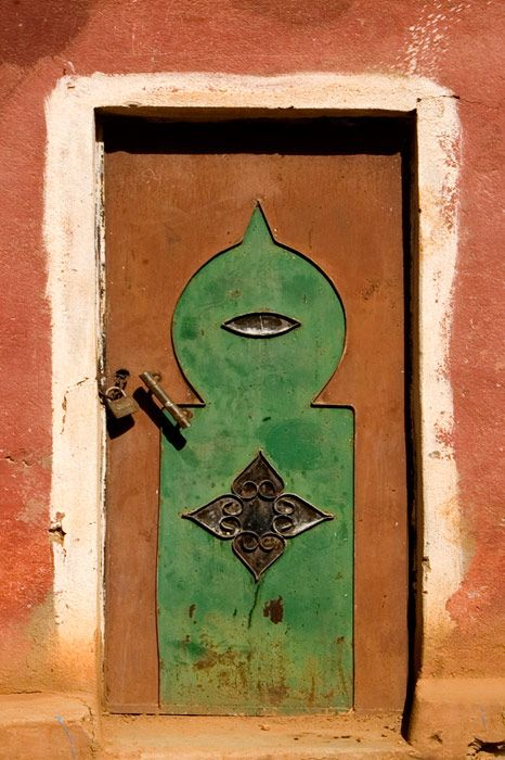 Steel door from the Anti-Atlas Mountains, bcs you want your front door to eye visitors suspiciously, a la Lewis Carroll