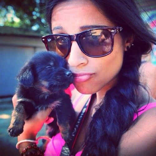 Haha puppy selfie! Superwoman mentioned this in one of her vids as well.