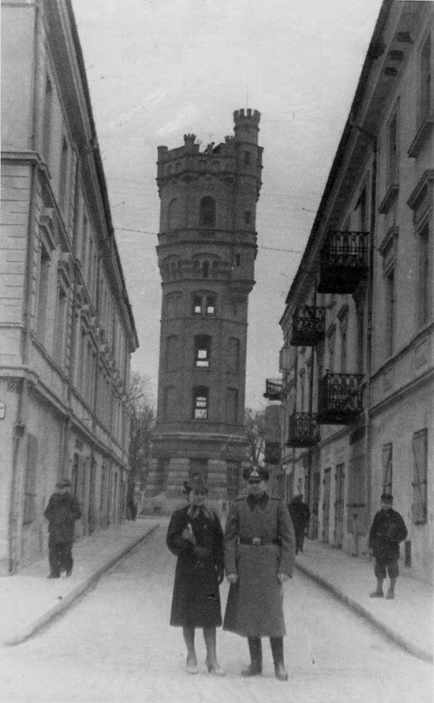 """Nasi """"turyści"""" nadal byli aktywni - teraz przyszła kolej na Lublin secesyjny."""