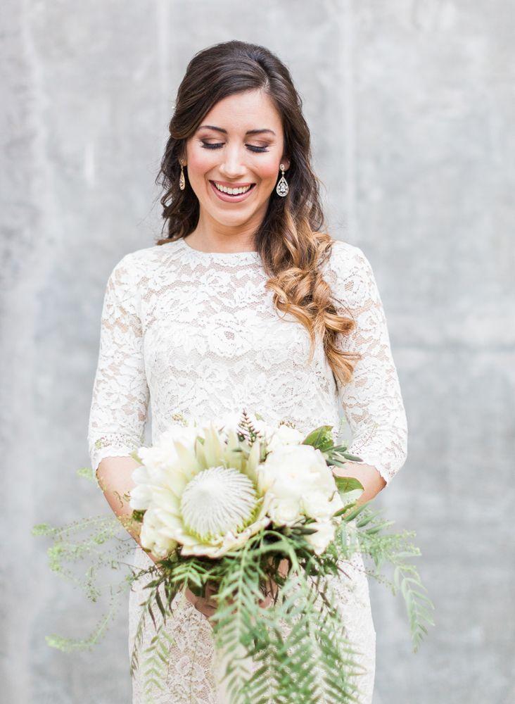 green and white wedding bouquet #weddingbouquet @weddingchicks