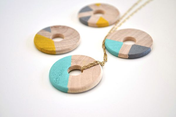 DIY Wooden Jewelry: wooden washers with acrylic paint, sharpies or embroidery floss.