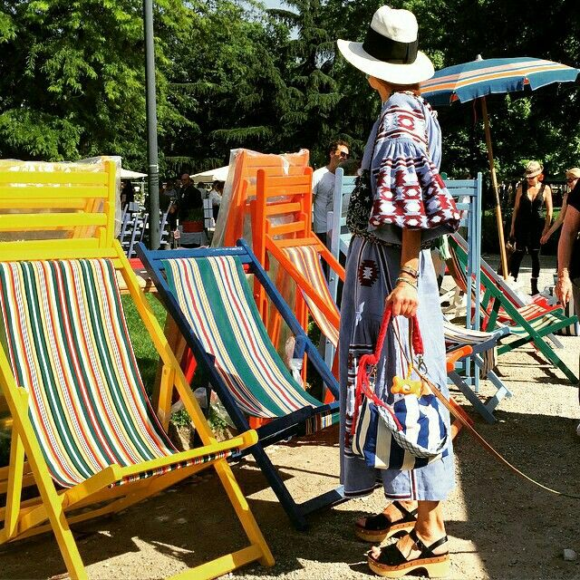 Stripeyou met fashion in Milan for Orticola 2015. Anna dello Russo (VOGUE) and our new Trunk Bag.... Striped obviously!