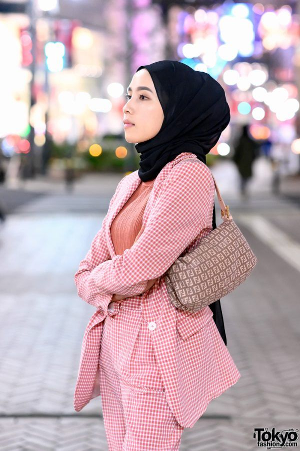 2a2ea25aa65a Hijabi Tokyo Street Style w/ Pink Zara Suit, Fendi Bag & Pink Chanel  Sneakers