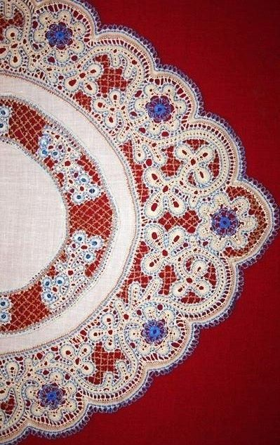 Russian bobbin lace, detail of a table-cloth