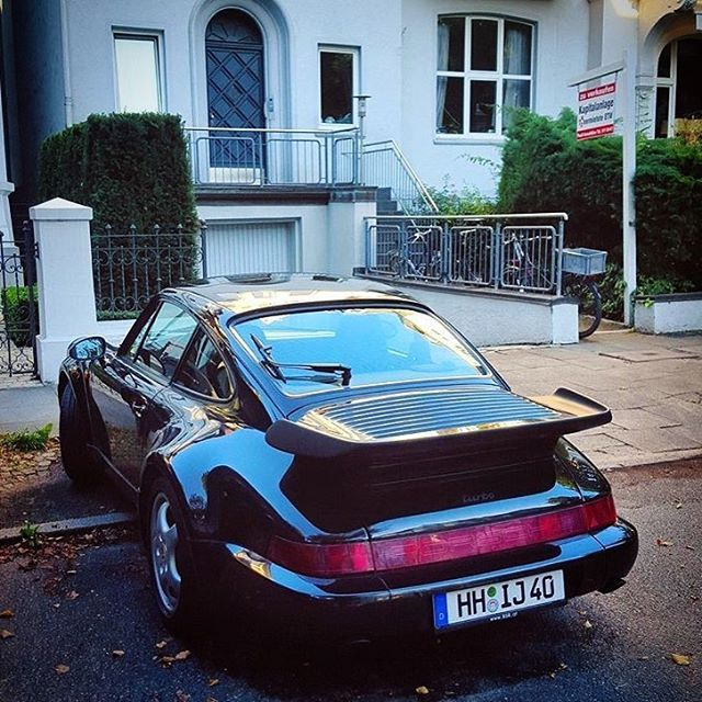 We think the 964 Turbo is one of the most beautiful 911 Turbo ever built! - What is Your favorite 911 Turbo? 🤔 Picture Credit: @porsche.sport.germany Model: Porsche 964 Turbo Engine: 3.3 - 3.6 litre - flatsix (n.a./Turbo) Power: 320 - 360 PS Torque: 450 - 520 Nm Transmission: 6 speed - Manual 0 - 100 km/h: 5.0 - 4.8 sec. Topspeed: 270 - 280 km/h Price: 150.000 - 200.000€ #porsche #911 #964 #turbo #supercar #hypercar #passion #racing #porscheist #goodlife #Hot #racecar #instacar #speed…