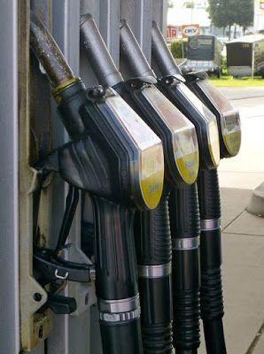Geld verdienen im Internet: Ölpreis stürzt auf Elfjahrestief