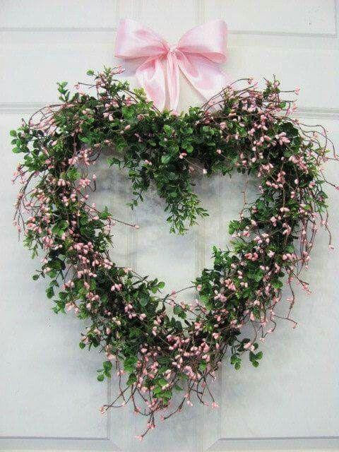 Pretty heart-shaped wreath
