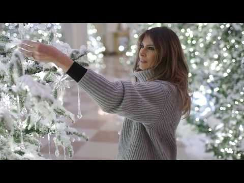 Melania Trump Shows 2017 Christmas Decorations at the White House 11/27/17 - YouTube